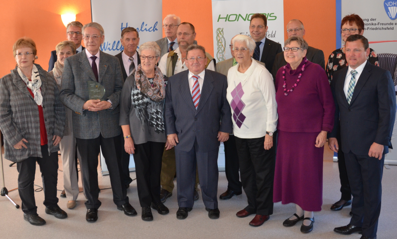 http://www.honoris-buergerpreis.de/cms/images/image493956.jpg